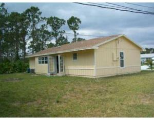 1056 Sw Fenway Road, Port Saint Lucie, FL 34953