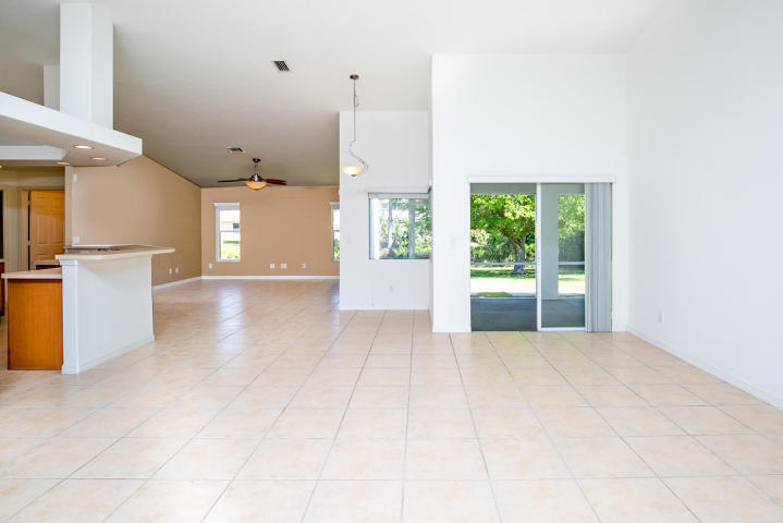 4021 Sw Bamberg Street, Port Saint Lucie, FL 34953