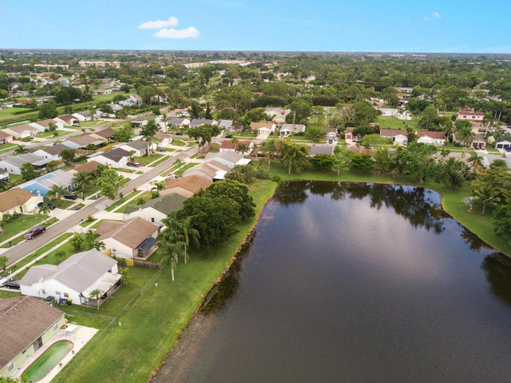 7758 Ashwood Ln Lake, Lake Worth, FL 33467
