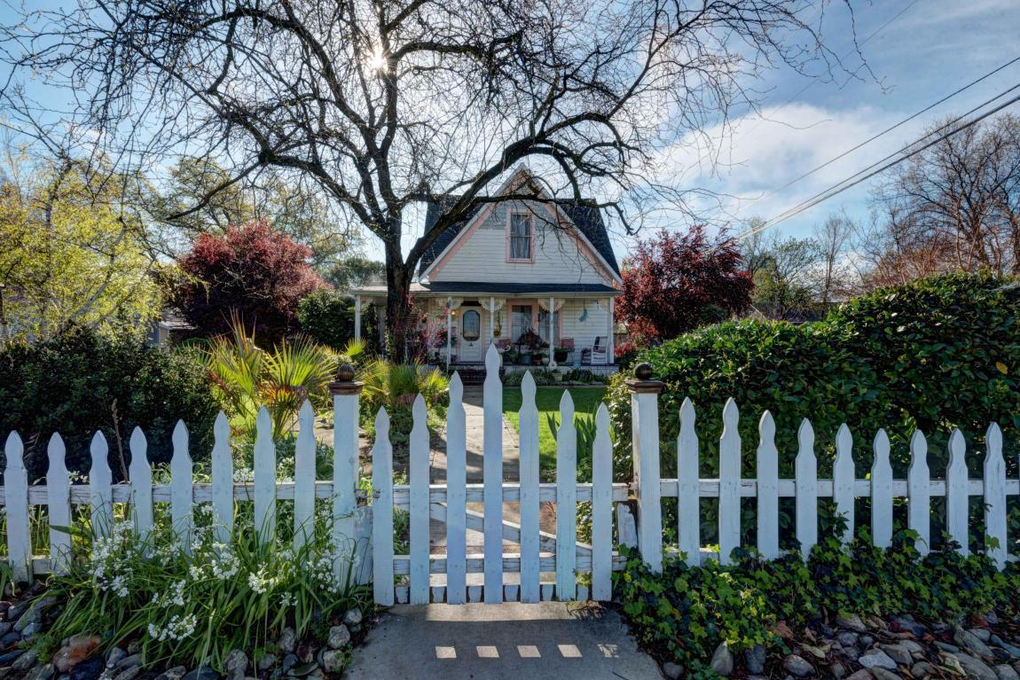1871 North St, Anderson, CA 96007