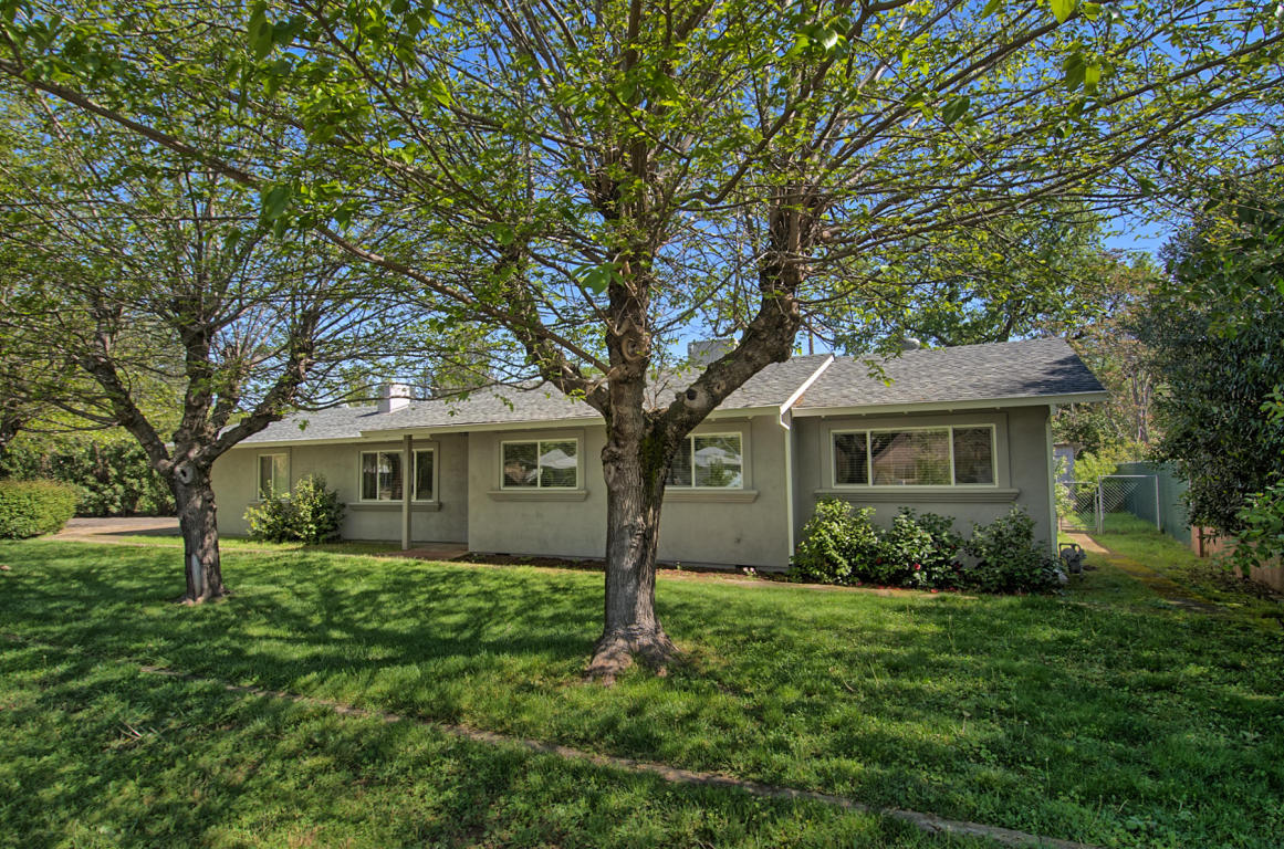 4367 E Bonnyview Rd, Redding, CA 96001