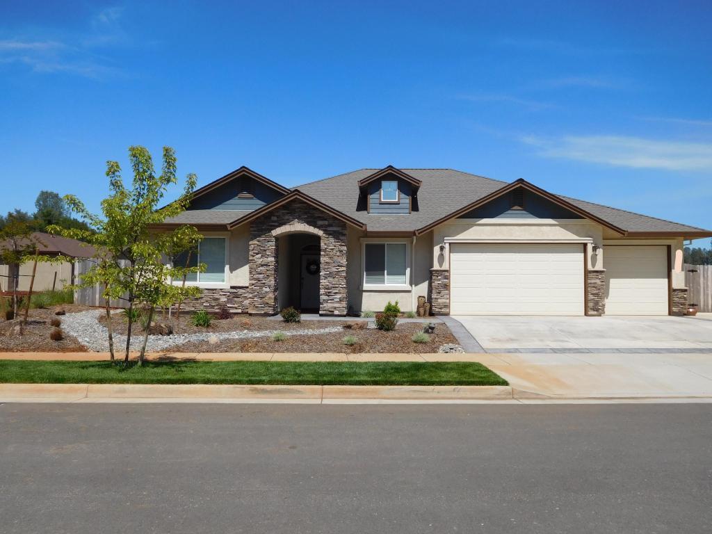 3318 Hotlam Rd, Redding, CA 96002