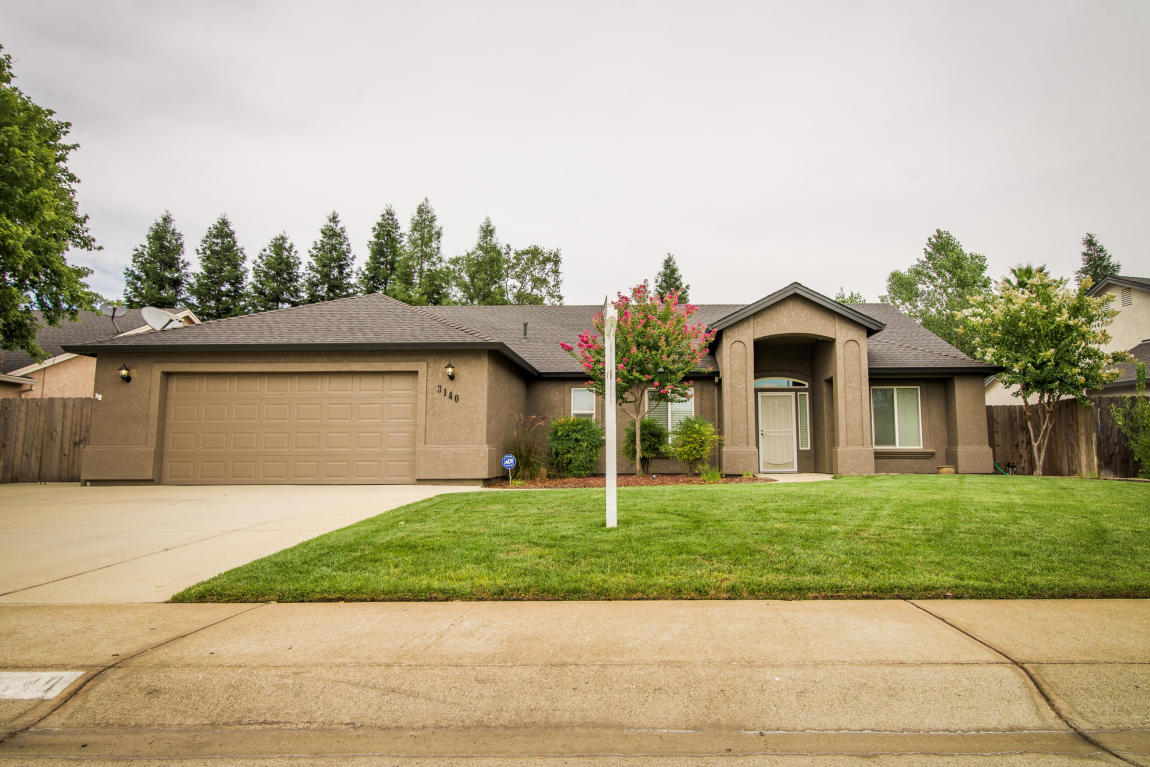 3140 Copper Creek Dr, Redding, CA 96002