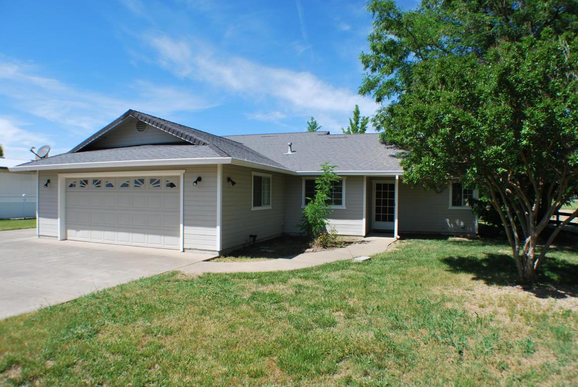 21998 Robledo Rd, Palo Cedro, CA 96073