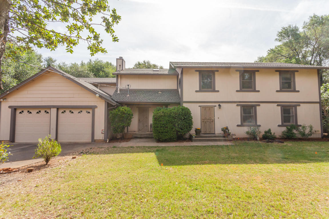 5043 Woodview, Redding, CA 96002