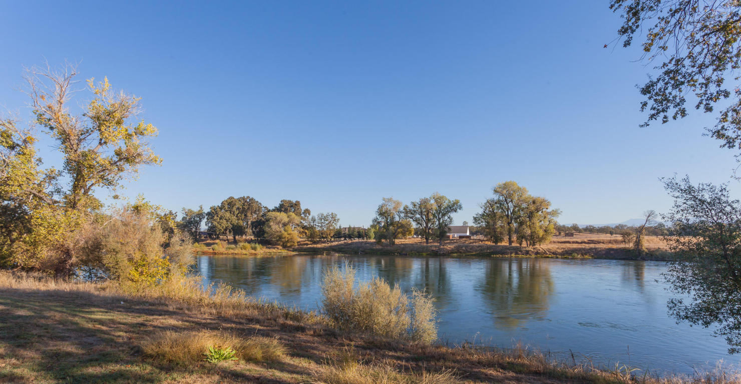 22920 Blue Jay Ln, Anderson, CA 96007