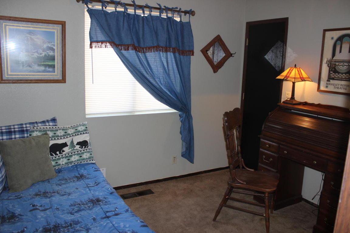 37451 Oak View St, Burney, CA 96013
