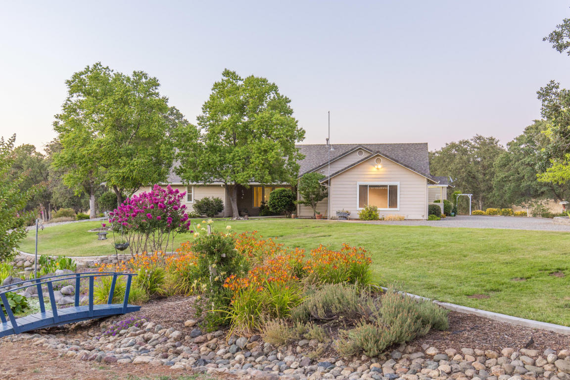 19360 Country View Dr, Cottonwood, CA 96022