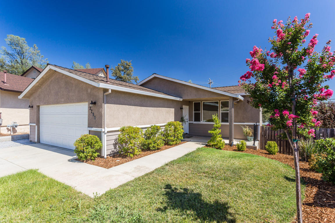 3298 Bridgewater Ct., Redding, CA 96003