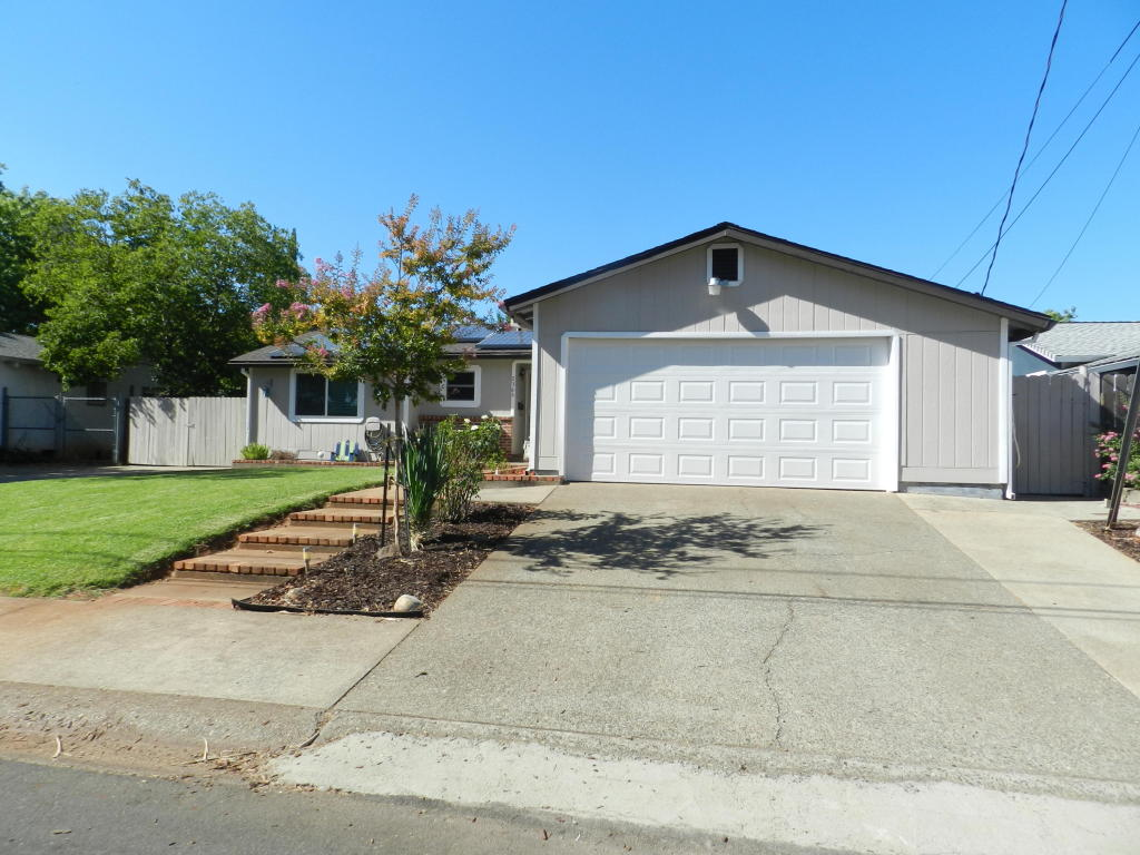 2366 Jonquil Way, Redding, CA 96002