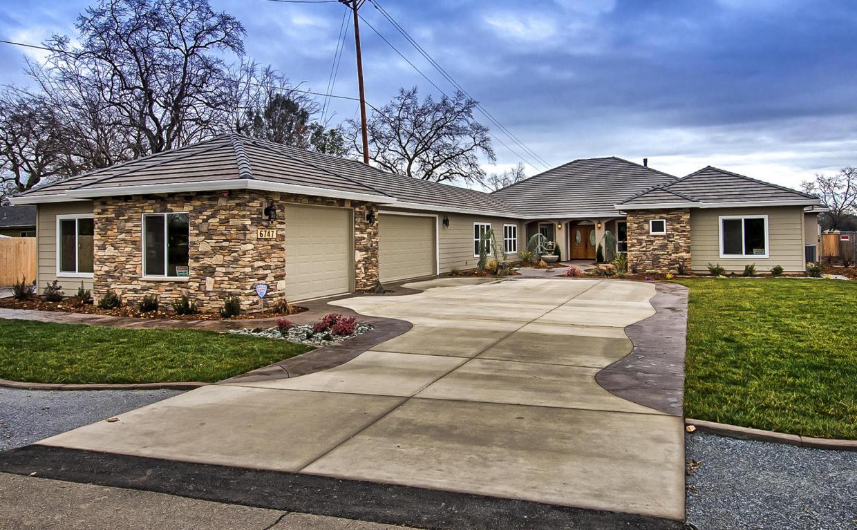 6747 Riverside Dr, Redding, CA 96001