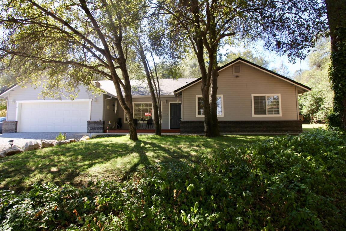 2930 Sioux Dr, Shasta Lake, CA 96019