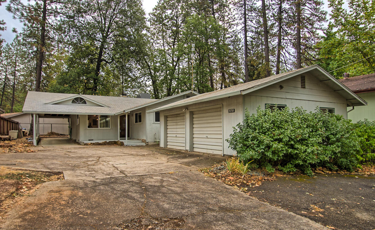 20709 Doney St, Lakehead, CA 96051