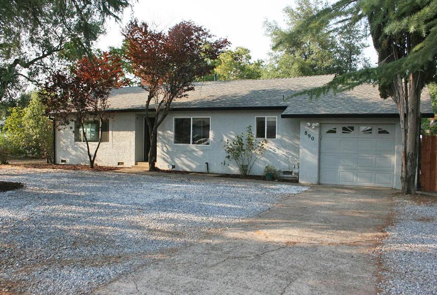 890 Parsons Drive, Redding, CA 96002