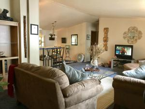 2093 Victor Ave, Redding, CA 96002