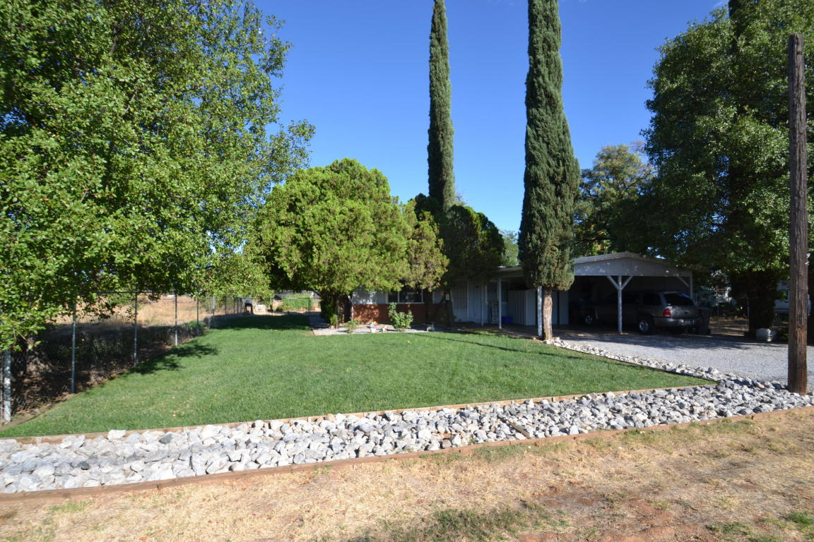 6945 Skyway St, Redding, CA 96002