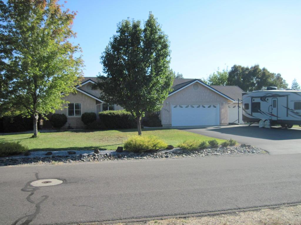 17925 Arlington Ct, Anderson, CA 96007