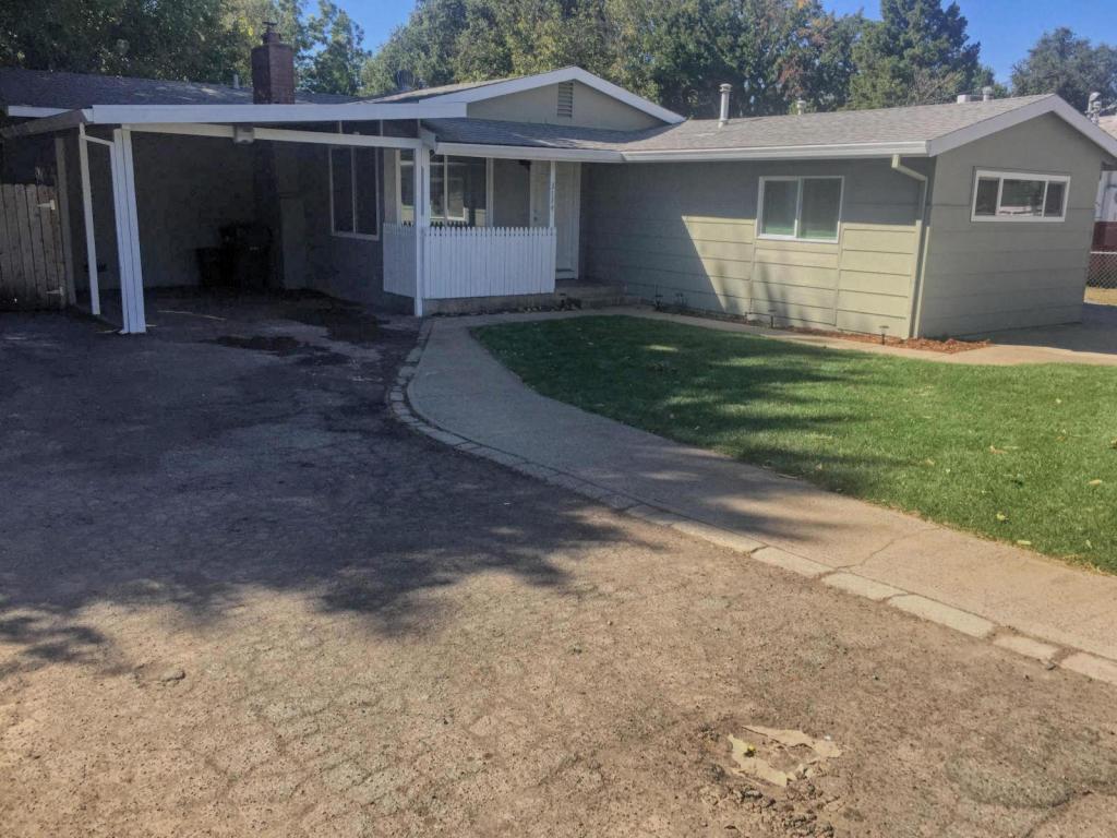 3174 Stingy Ln, Anderson, CA 96007