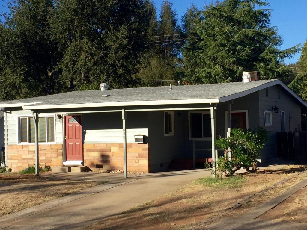 1630 Pinon Ave, Anderson, CA 96007