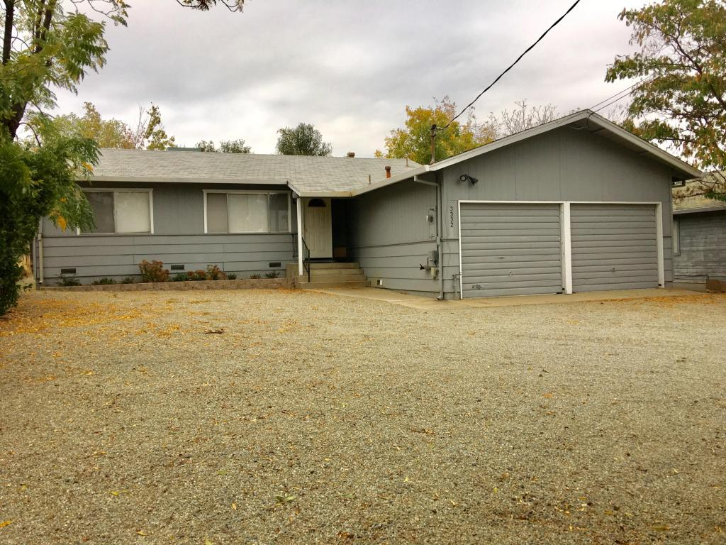 3332 Court St, Redding, CA 96001