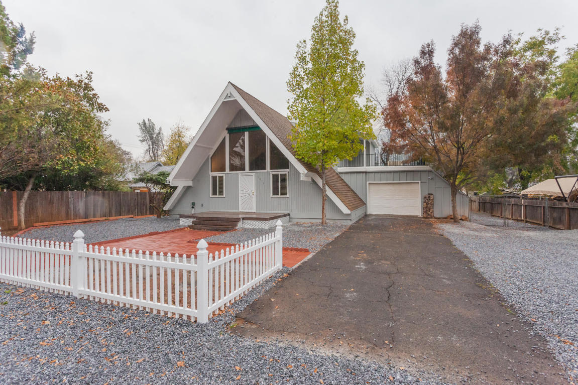 1515 Grand River Ave, Shasta Lake, CA 96019