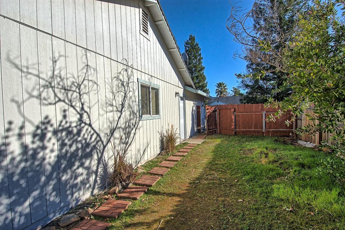 3944 Capricorn Way, Redding, CA 96002