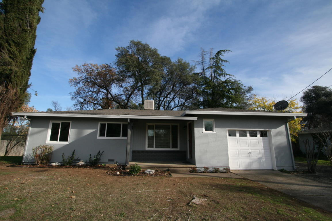 2861 Churn Ct, Redding, CA 96002