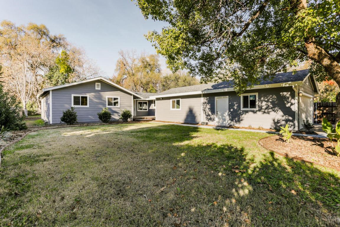 2946 Inez St, Redding, CA 96002