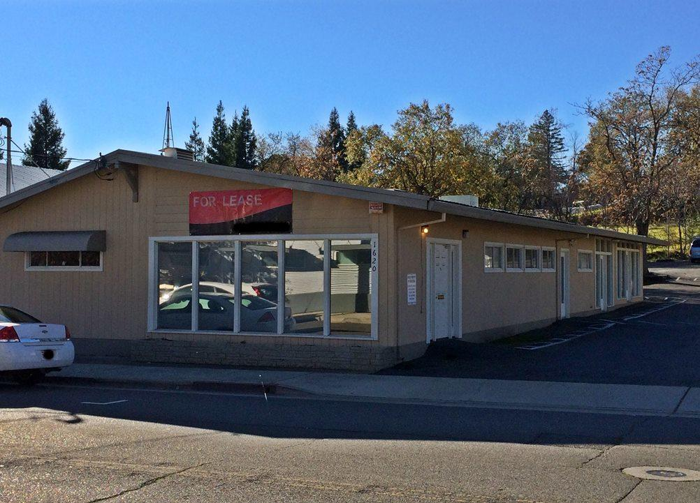 1620 Continental St, Redding, CA 96001