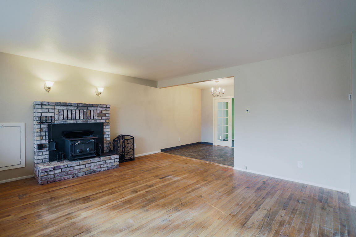 1730 Ferry St, Anderson, CA 96007