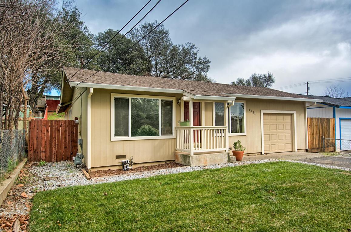1721 Grand Coulee Blvd, Shasta Lake, CA 96019