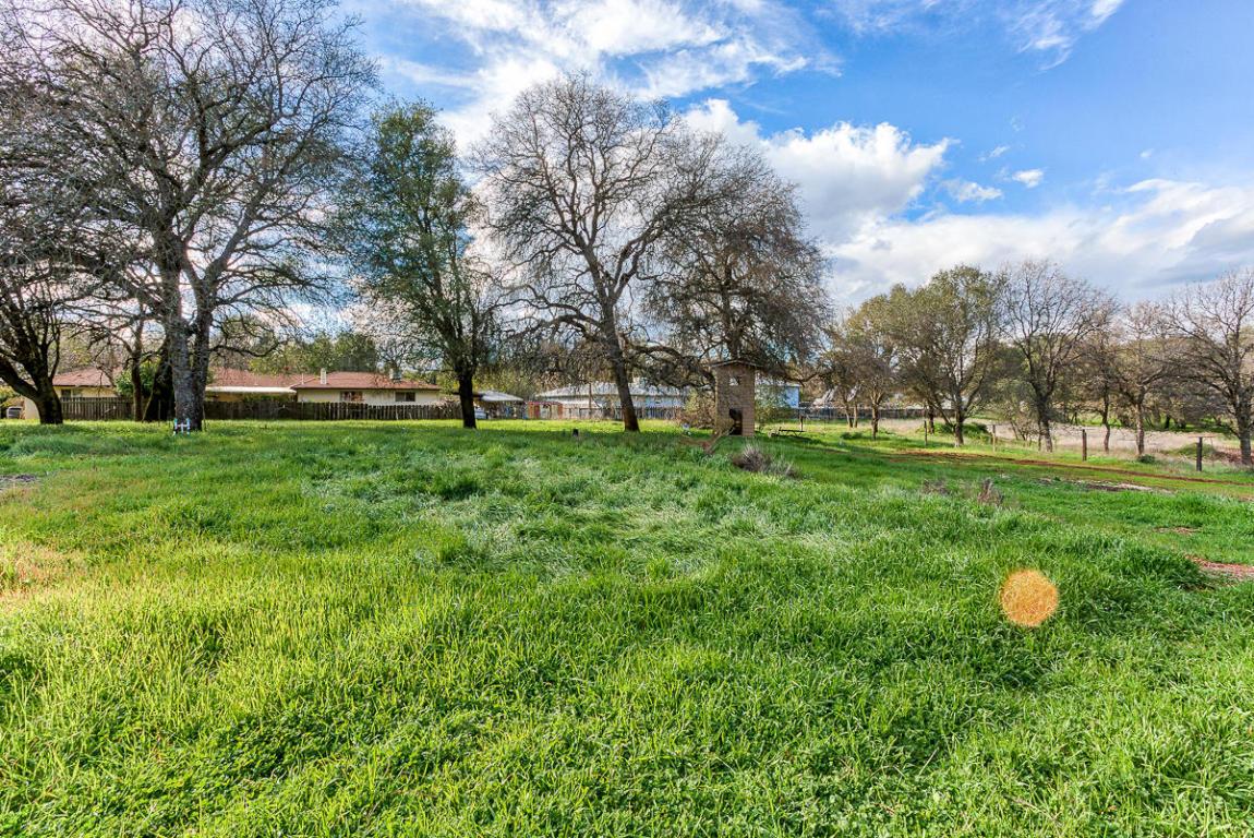20276 River Valley Dr, Anderson, CA 96007