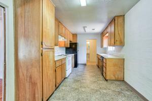 2199 Oxford Rd, Redding, CA 96002