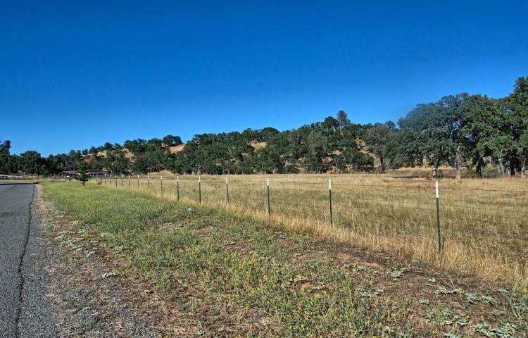 13213 Blue Sky Rd, Bella Vista, CA 96008