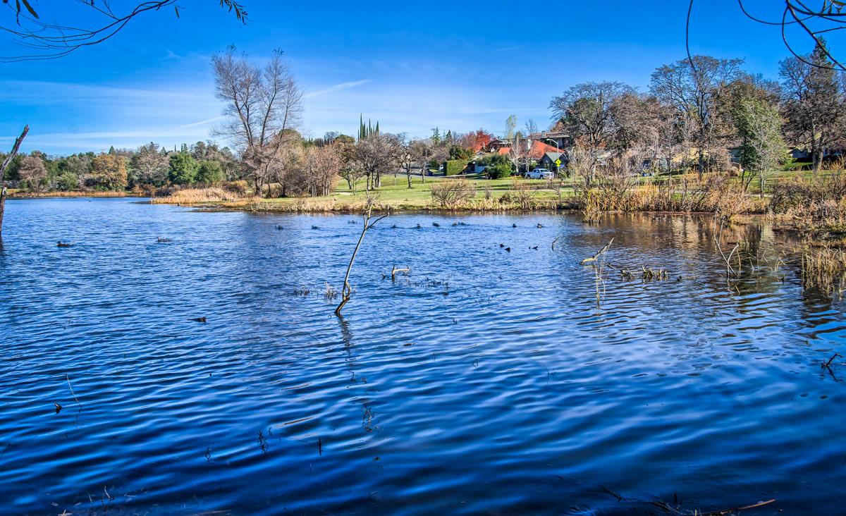1875 Lakeside Dr, Redding, CA 96001