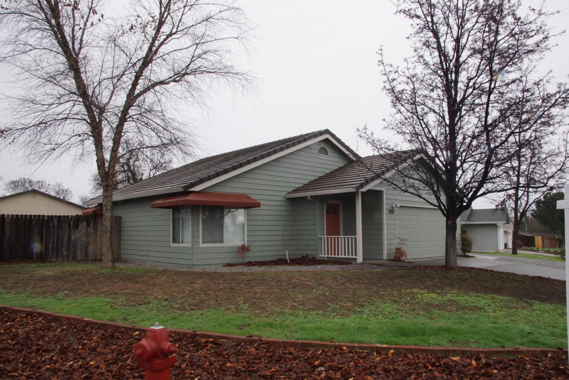 3588 Auburn Dr, Redding, CA 96001