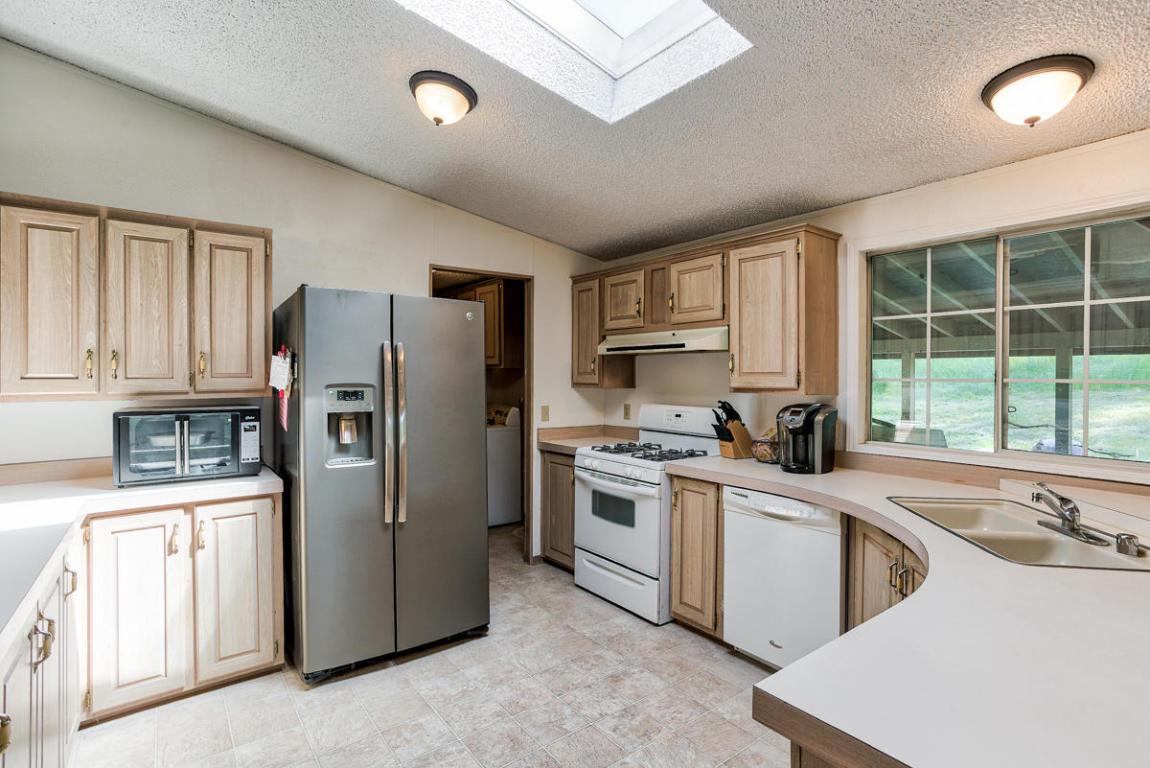 19555 Live Oak Rd, Red Bluff, CA 96080