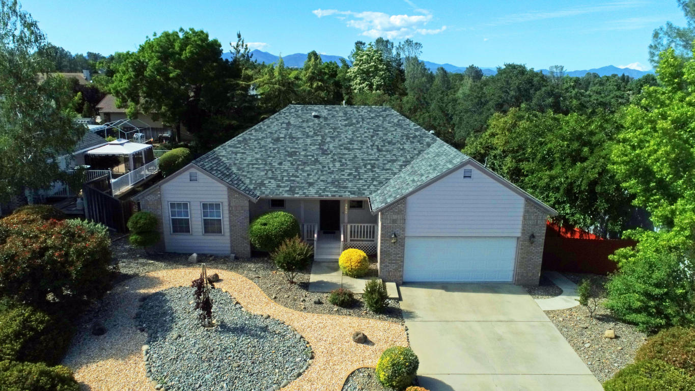 2668 Howard Dr, Redding, CA 96001