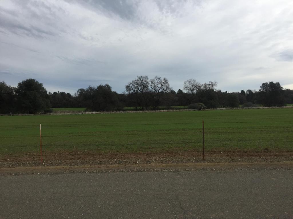 Henderson Rd, Redding, CA 96002