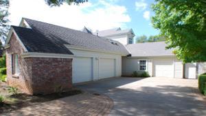 4388 Saratoga Dr, Redding, CA 96002