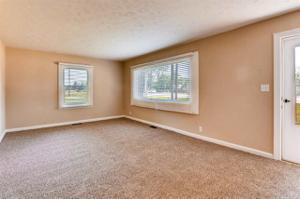 8221 N Green River Road, Evansville, IN 47725