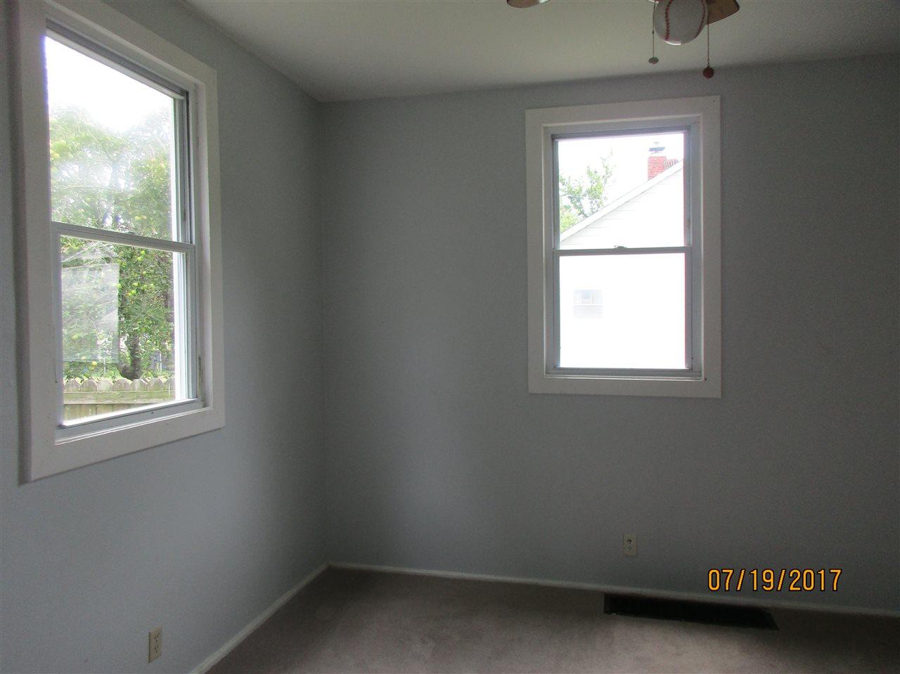 1320 Henning Avenue, Evansville, IN 47714