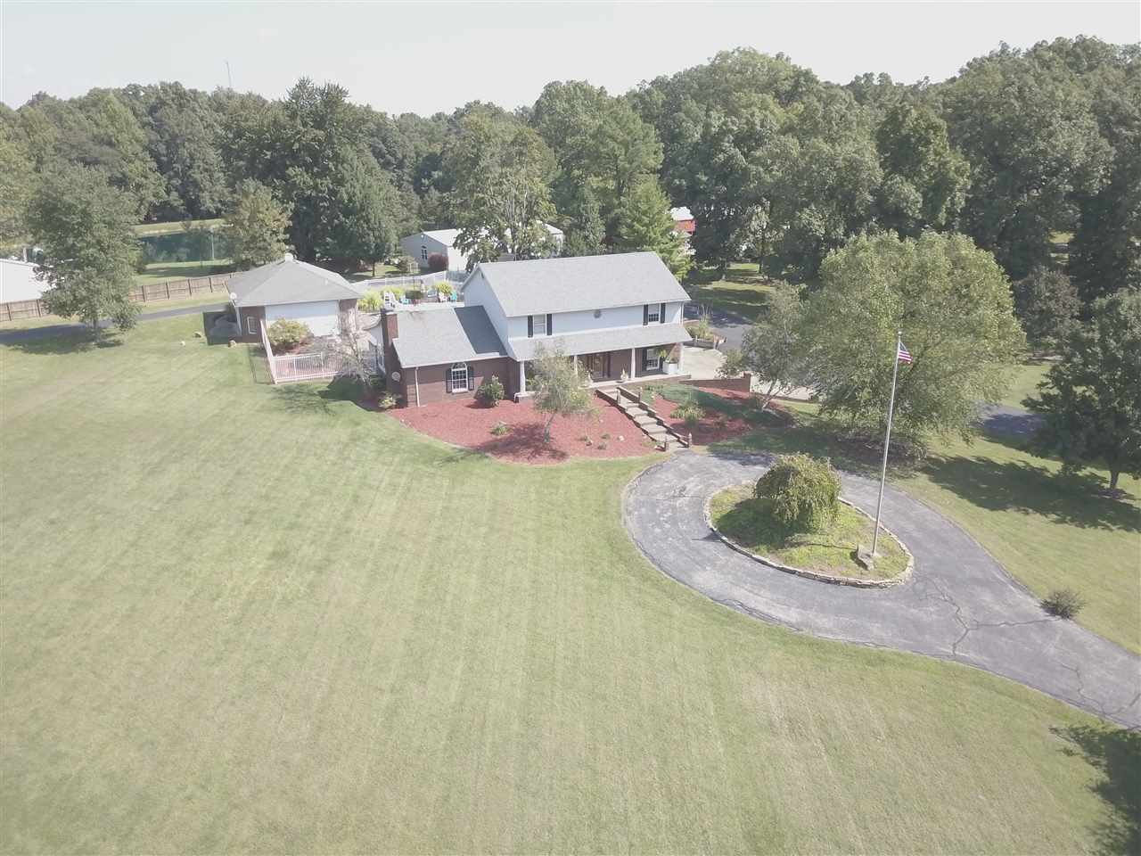 1622 Square Deal Mine Road, Boonville, IN 47601