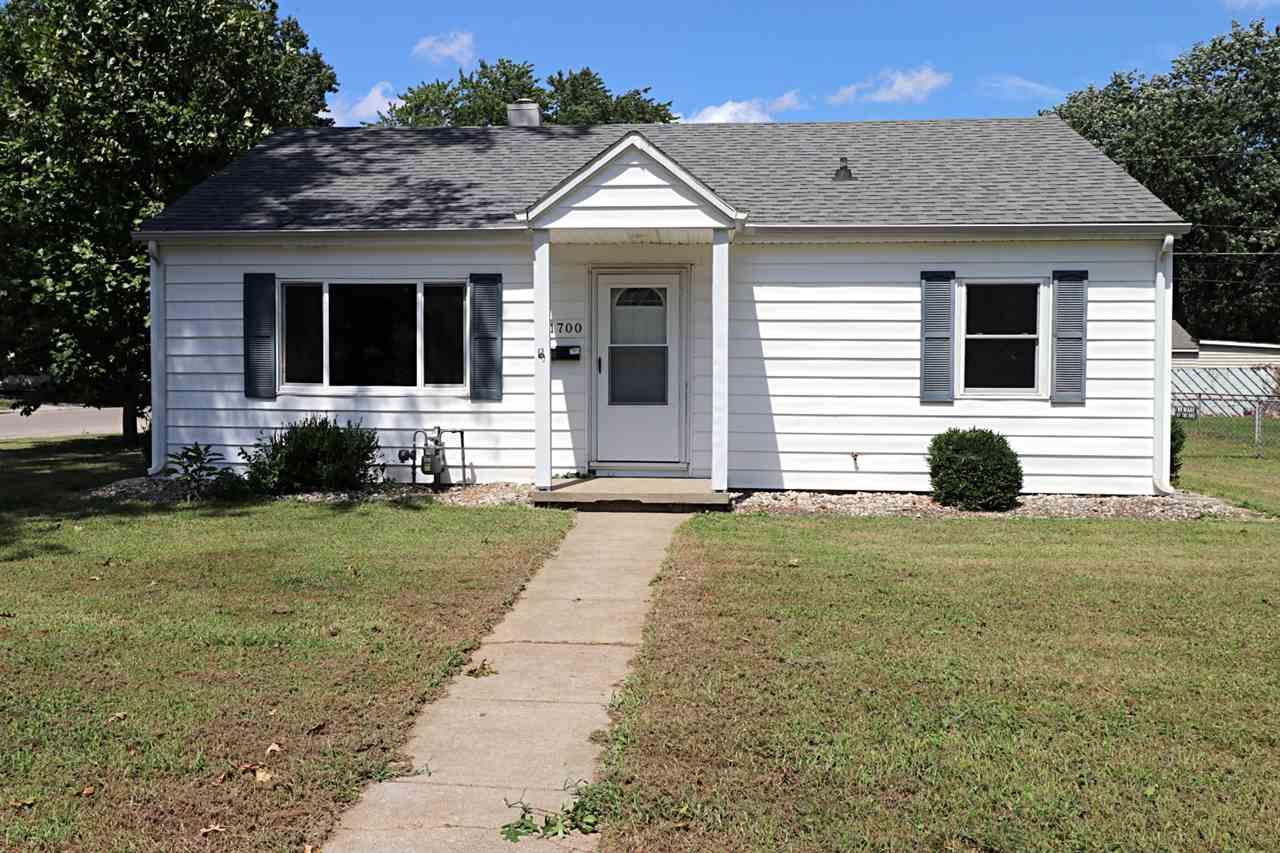 1700 Ravenswood Drive, Evansville, IN 47714