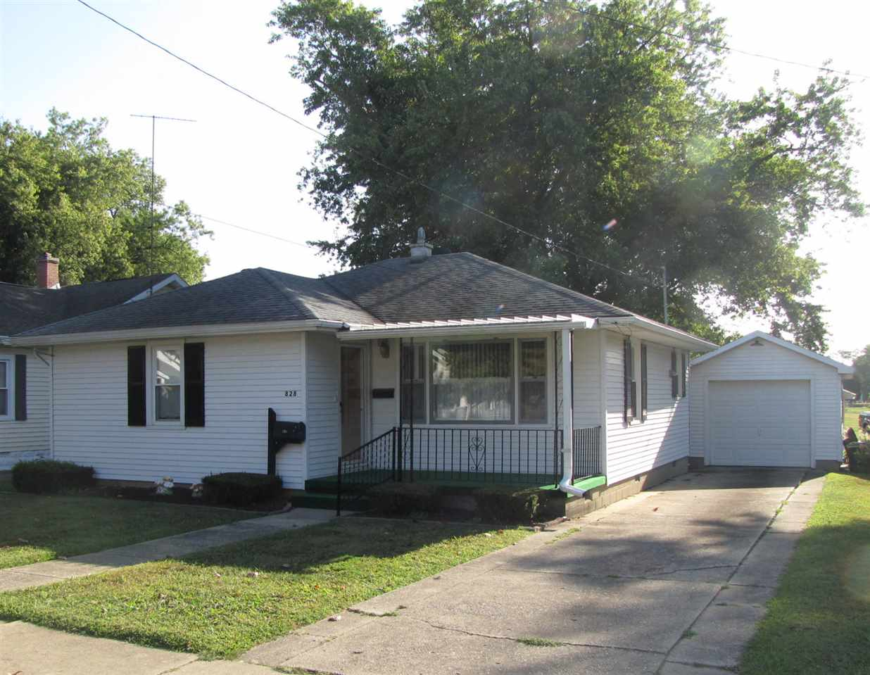 828 S Hall Street, Princeton, IN 47670
