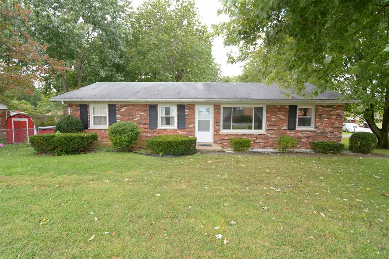 1417 N Rockport Road, Boonville, IN 47601