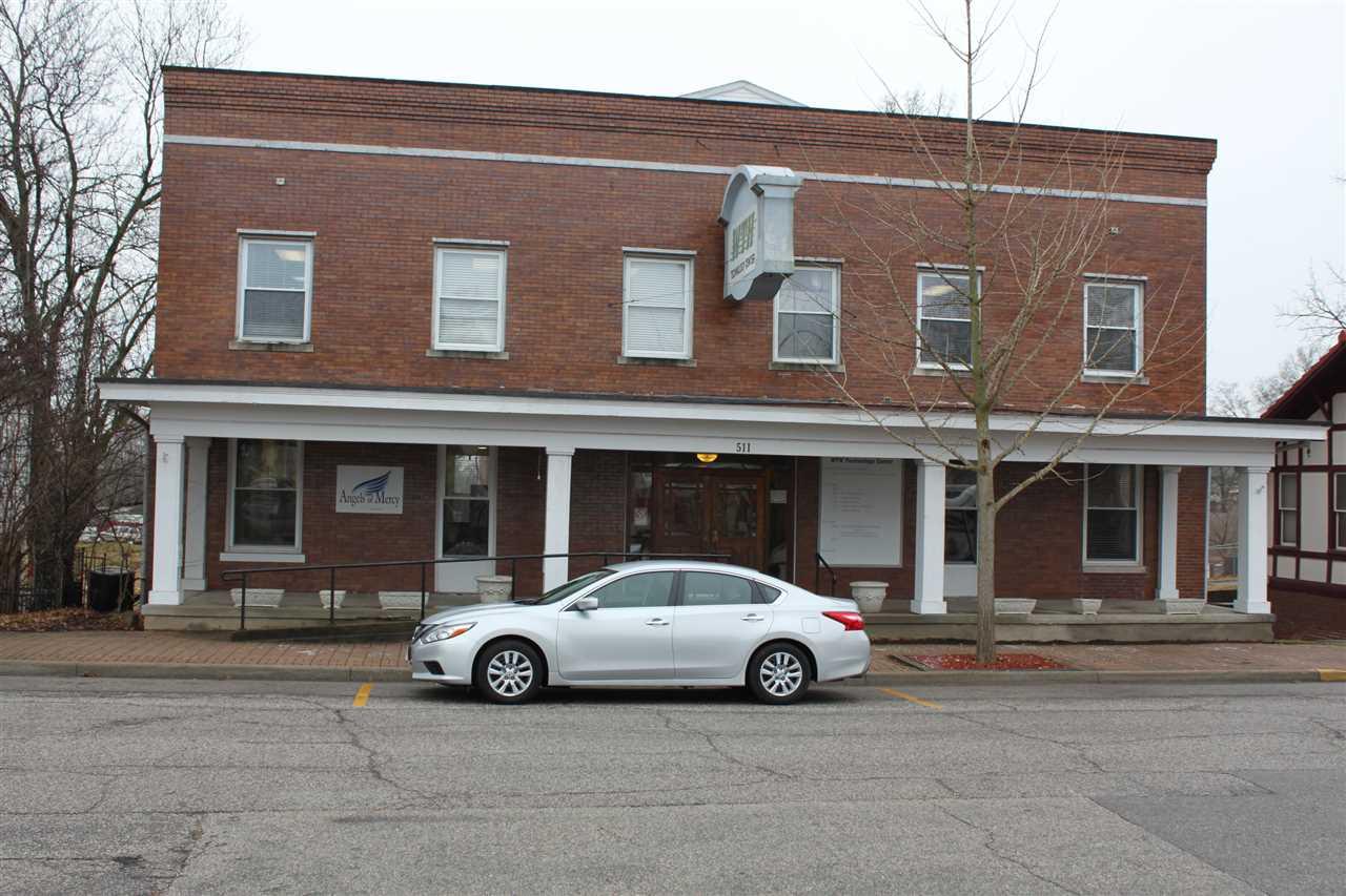 511 E 4th Street, Huntingburg, IN 47542