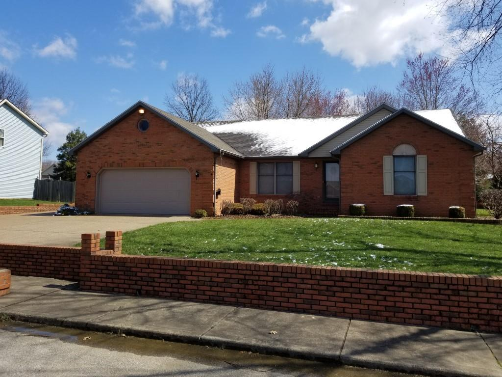 4122 Country Place Dr, Newburgh, IN 47630