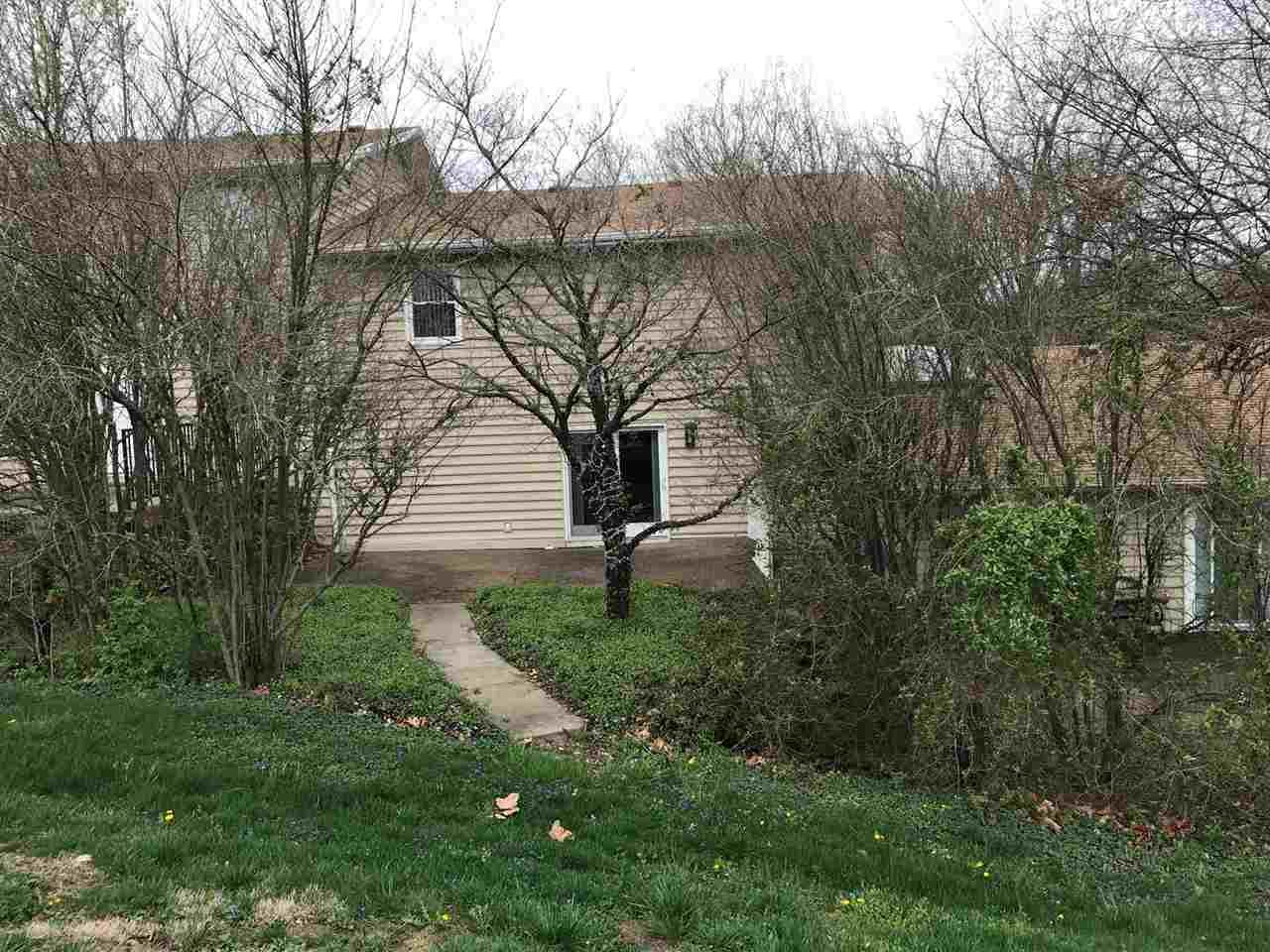 11535 Village Drive, Evansville, IN 47725