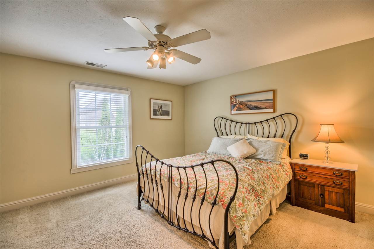2366 Oak Bend Place, Newburgh, IN 47630